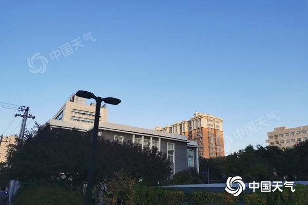 今天白天北京北风劲吹阵风可达7至8级 风寒效应明显