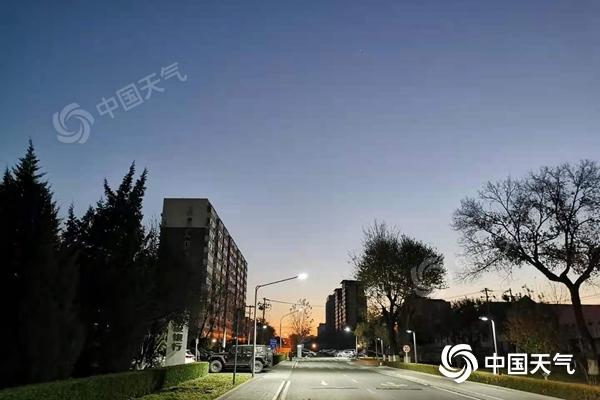 未来三天北京维持晴冷 今天白天北风劲吹阵风达6级
