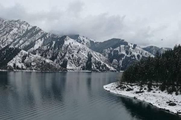 西北华北等地降雪增多 南方气温低迷湿冷感明显