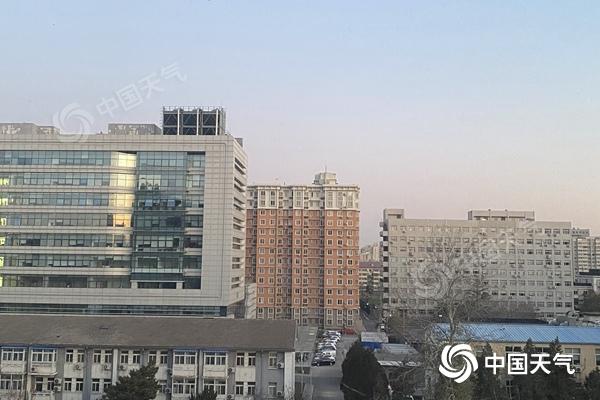 今晨北京再创气温新低 明后天北风劲吹最高温将至冰点附近