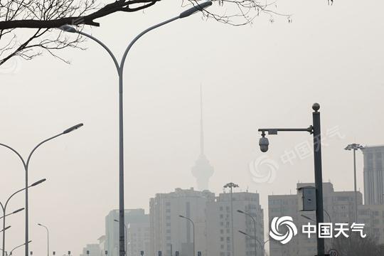 东北局地有【大雪】 华北等地霾持续