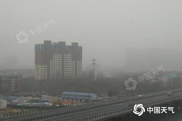 """内蒙古风雪降温齐""""上阵"""" 呼伦贝尔局地有大雪"""