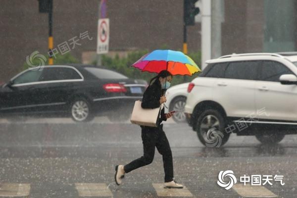 """雨一直下!南方降雨上演""""车轮战""""  江南西南等地雨量明显偏多"""