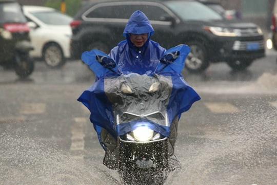 南方大部雨水不停歇 北方气温继续下跌