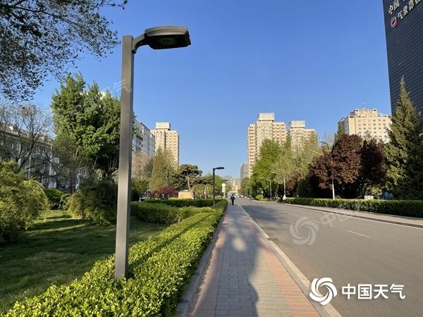 """再坚持一天!北京今日大风仍""""在线"""" 局地阵风可达7级"""