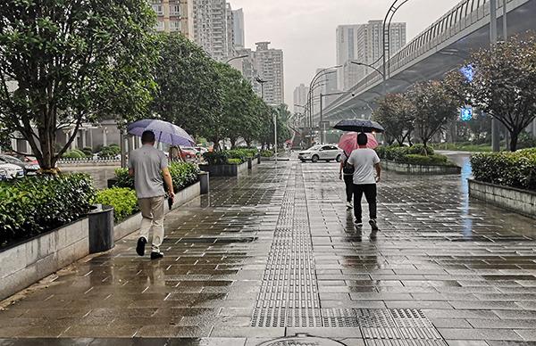 江南中北部等地雨势强 西北黄淮高温持续