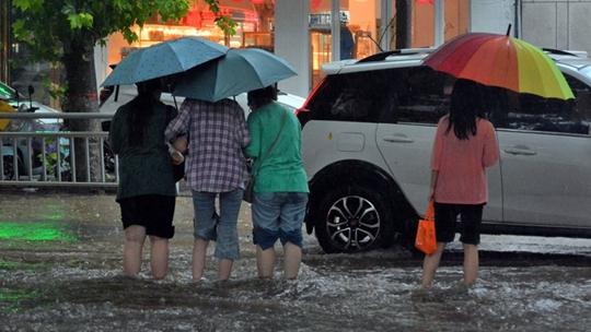 河南河北等局地仍有强降雨 华南高温增多