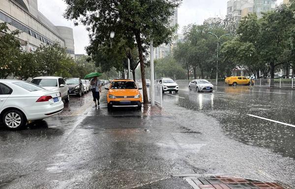 强降雨移至东北 西南地区东部高温持久