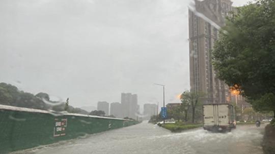 西南地區強降雨將達鼎盛 華南高溫頻繁上線