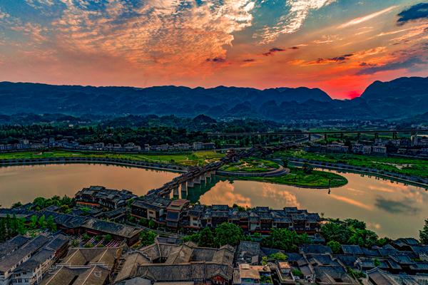 中国最具魅力名镇——黔江濯水古镇