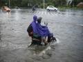 """台风""""红霞""""影响海南 三亚暴雨多路段积水影响出行"""