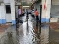 天津雨水洒落 部分路段积水影响出行