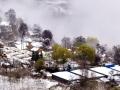 甘肅武山出現降雪 山川房頂被積雪覆蓋宛如水墨畫