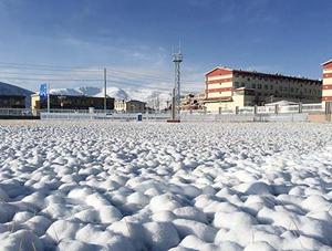 立夏時節青海果洛飄雪 仿若重回冬季
