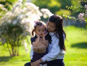 母亲节将至 用镜头记录美妈萌娃的温馨瞬间