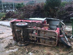 廣西南丹縣遭大暴雨襲擊 受災現場一片狼藉