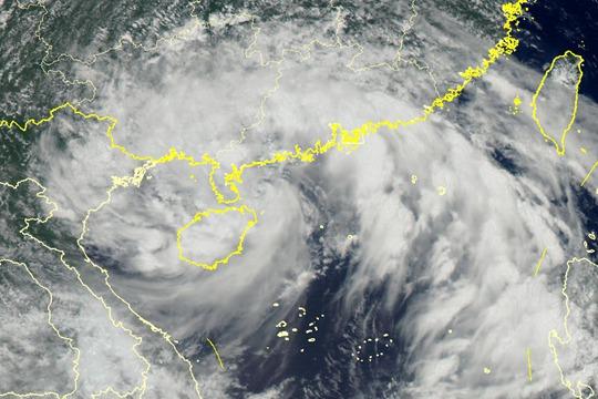 """卫星之眼看台风""""韦帕"""""""