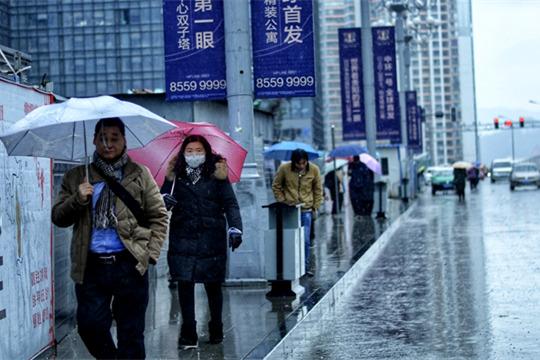 贵阳深冬雨缠绵 更显寒意浓