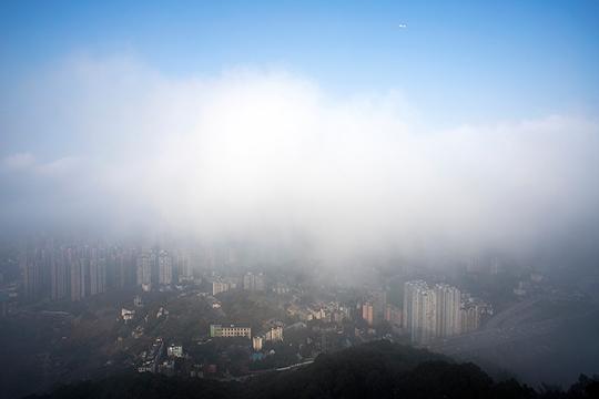 雾锁山城 重庆南山老君洞似仙境阁楼