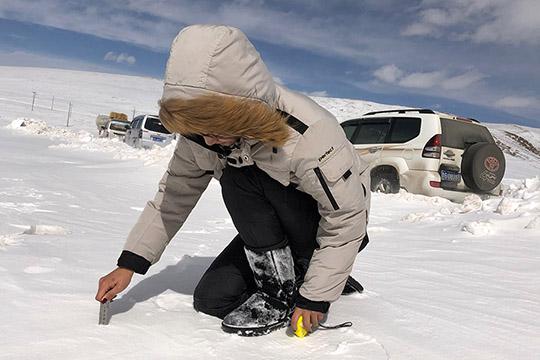 青海:气象人赴雪灾一线开展服务