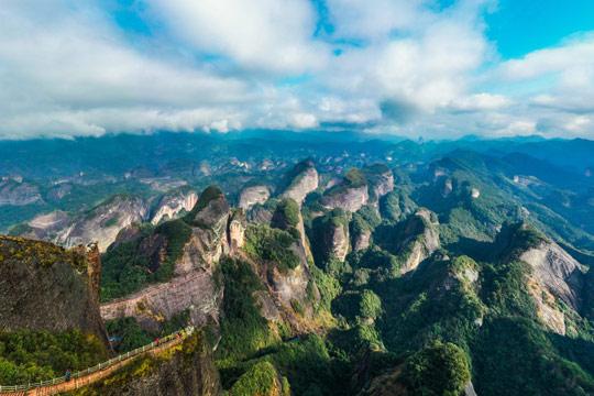 湖南:新宁崀山八角寨美景如画
