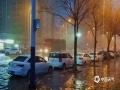 受冷暖空气和人工增雨共同影响,昨日傍晚至今晨7时,安徽淮北市普降中到大雨,局部暴雨,并伴有雷雨大风、短时强降水、雷电等强对流天气。图为暴雨后街道积水严重。(摄:陈玉琪)