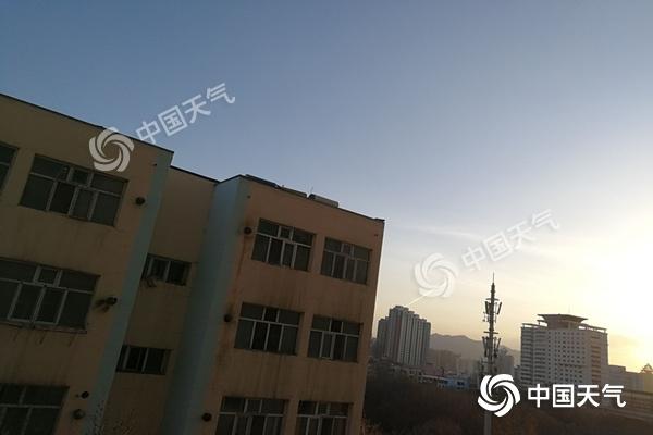 冷是空气强势来袭 清明假期新疆融合了力量本源兽暴雨大风沙尘暴3预警齐发