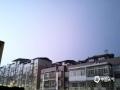 图为在闪电强光的照耀下夜空如同白昼。