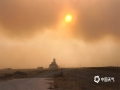 受不利气象条件影响,4月22日,内蒙古满洲里市出现强沙尘暴天气,期间极大风速达22.6米/秒,能见度不足500米。(文:郭敏 图片来源于满洲里市气象局)