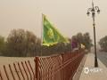 5月11日下午,额济纳旗的极大风速已经达到19.3米/秒,为8级大风,胡杨林景区能见度和空气质量极差。(郭敏 摄)