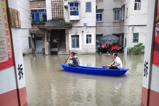 强降雨袭击广西 百色等市多地现洪涝灾害