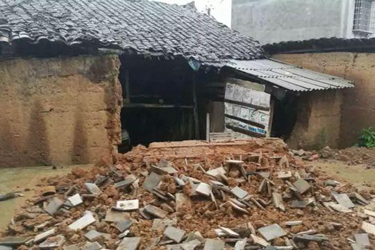 福建三明市普降暴雨 多地房屋倒塌农田被淹