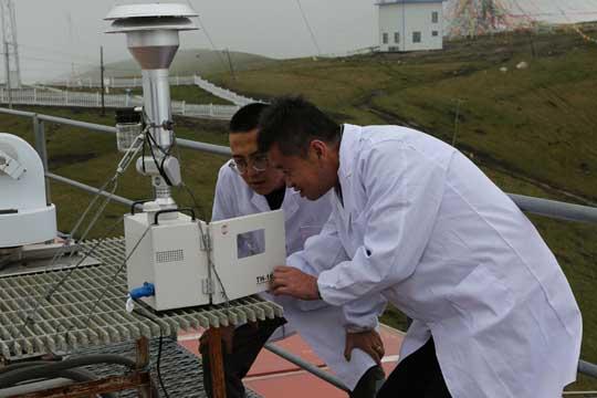 欧亚大陆唯一台站 气象人3816米云端的坚守