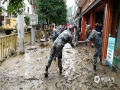 中国天气网讯 6月21日14时至22日09时,奉节县普降中到大雨,13个乡镇出现暴雨。其中,吐祥镇和安坪镇海角村2个站点降雨量分别达到126.1毫米和106.6毫米,最大小时雨强为35.8毫米(羊市镇),吐祥镇连续3小时降雨超30毫米。暴雨洪灾过后,多地一片狼藉,损失较为严重。图片于22日摄于吐祥镇。(摄影:左燕丽)