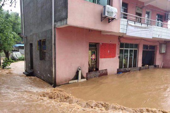 暴雨來襲 江西撫州萍鄉嚴重內澇街道變河道