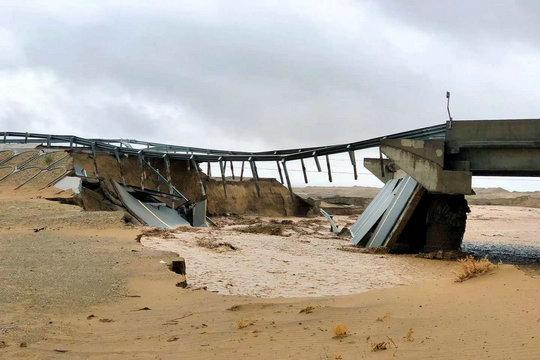 甘肅敦煌瓜州出現罕見暴雨 沖毀橋梁房屋