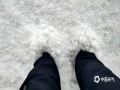 中国钱柜娱乐777天气网讯 受强对流天气影响,2019年7月9日下午14时许,内蒙古乌兰察布市辉腾锡勒草原遭遇冰雹袭击,黄豆般大小的冰雹随着雷雨从天而降,最厚处没过脚。(文:王媛媛  图:李建明)