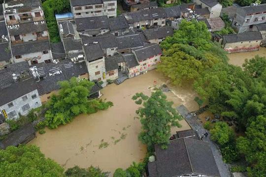 """廣西出現大范圍強降雨 多地被淹成""""澤國"""""""