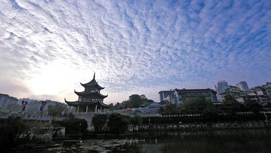贵州晴朗回归 天空颜值爆表