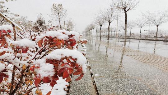 甘肃瓜州迎来今年入冬后首场降雪