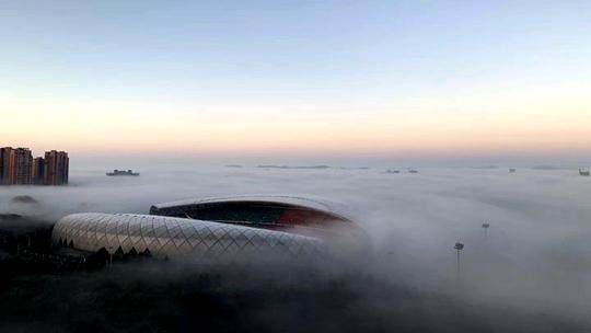 贵阳出现辐射雾 雾气缭绕如仙境