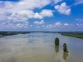 航拍:湖北黄冈暴雨频发水位暴涨 雨后巴河绿洲变孤岛