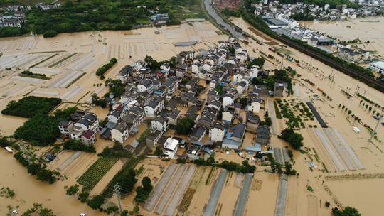 安徽歙县遇强降雨 出行困难高考语文延期