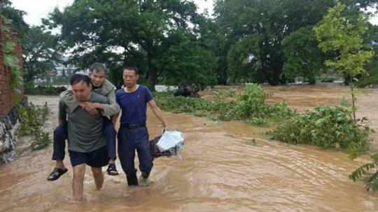 江西中北部遭遇暴雨洪灾 各地组织救援转移