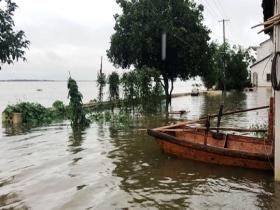 江西受持续强降雨影响  鄱阳湖及周边河流水位超警戒线