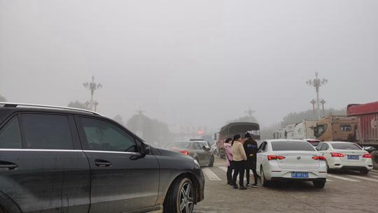 大霧來襲 江西多地能見度不足200米