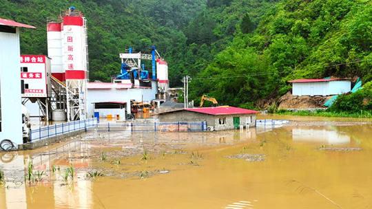 广西百色受强降雨影响 多地积水严重