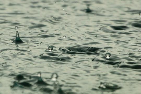 陕西西安降雨缓解高温天气