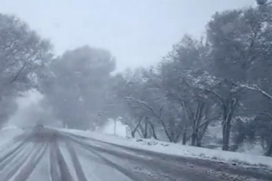 """降雪大风天气组团""""访问""""新疆哈密"""