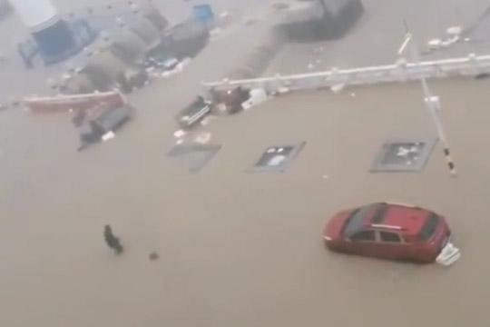 广东局地遭遇特大暴雨 上川岛现水浸街
